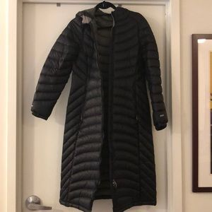 L.L. Bean ultralight 850 down hooded coat